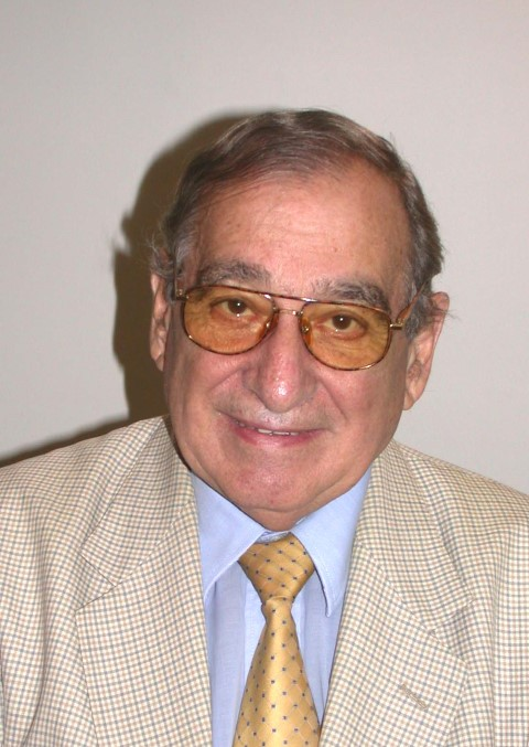 2005 - Dr. Petrolito José (Small)