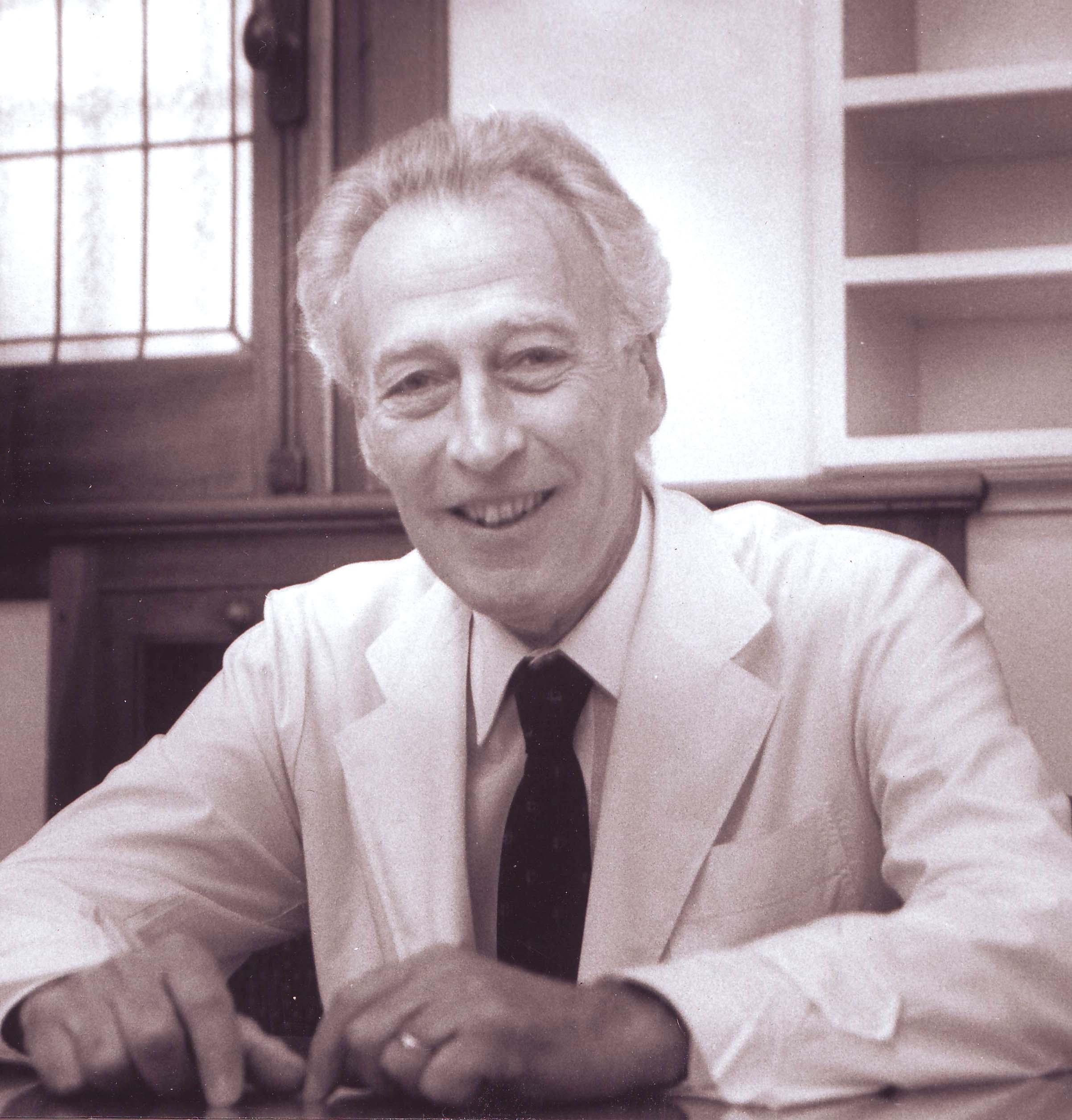 Dr. Luis Jost